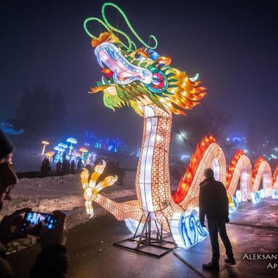 В Киеве продлили фестиваль китайских фонарей на Певческом поле