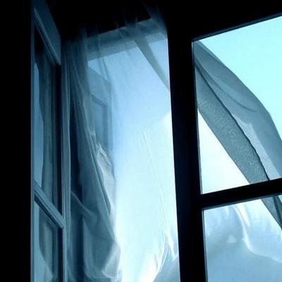 На Киевщине мужчина выбросил свою жену из окна квартиры