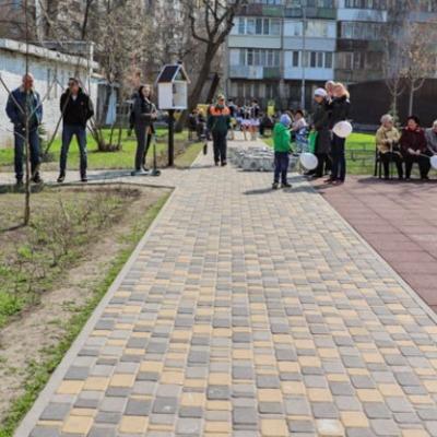 В Соломенском районе появился новый сквер
