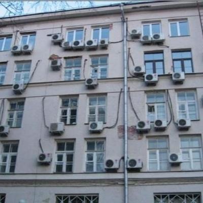 Киевлян заставят демонтировать незаконные кондиционеры