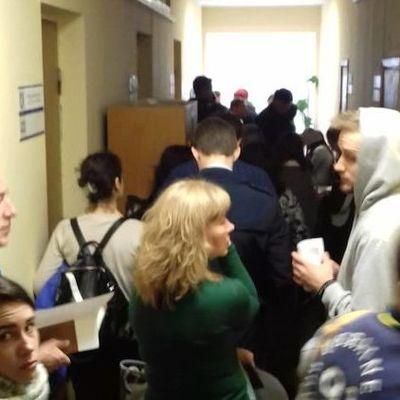 В Киеве собираются огромные очереди из переселенцев