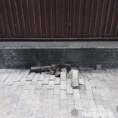 Возле посольства РФ в Киеве произошел взрыв