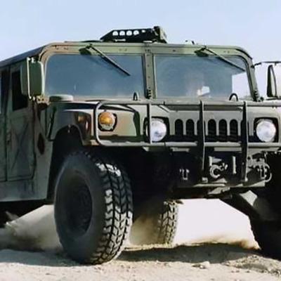 В Одессу прибыли американские военные джипы