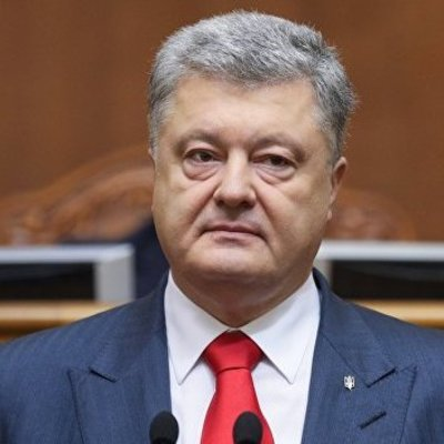 Порошенко обещает инициировать ликвидацию должностей председателей ОГА