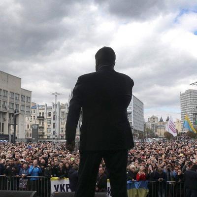 В полиции подсчитали, сколько людей пришло на НСК «Олимпийский» к Порошенко