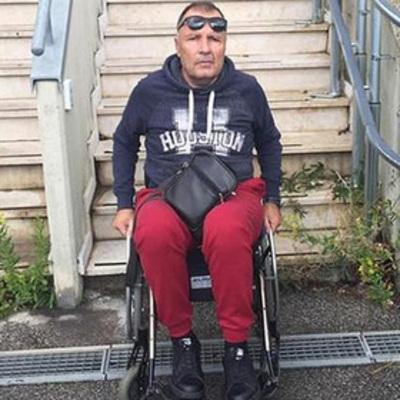 Мошенник 12 лет притворялся инвалидом и одурачил Папу Римского