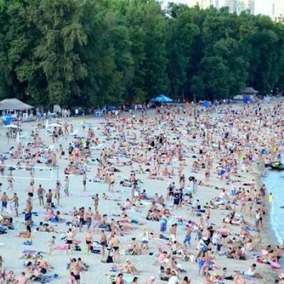 В Киеве откроют 14 пляжей, на которых можно будет купаться в сезон