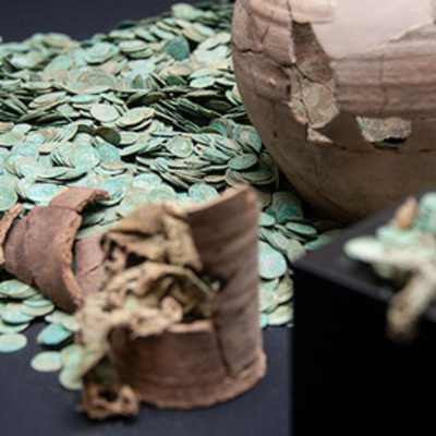 В Германии нашли крупнейший клад средневековых монет