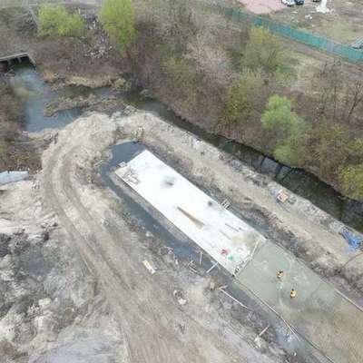 Реку Почайна закатывают в бетон