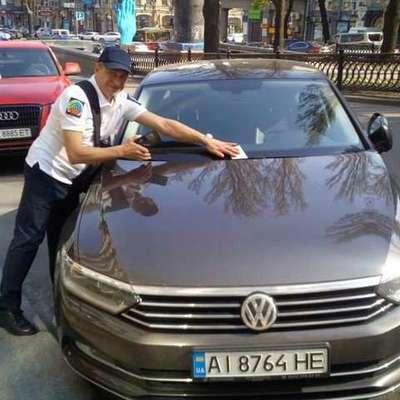 На улицах Киева появились инспекторы по парковке