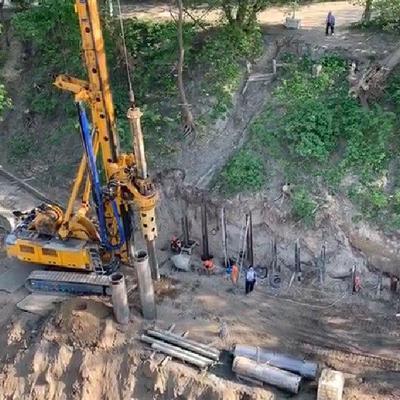Кличко показал, как укрепляется склон возле филармонии, который разрушался долгие годы (видео)