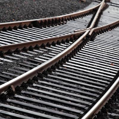 На Киевщине школьника сбил поезд, в котором ехала его мама