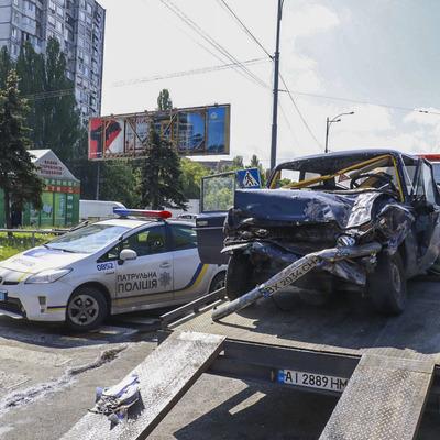 В столице на Окружной машина с военными врезалась в грузовик, есть погибшие
