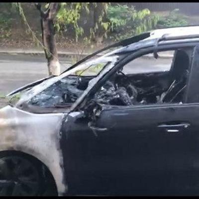 В Киеве сожгли автомобиль главного редактора одного из телеканалов (фото, видео)