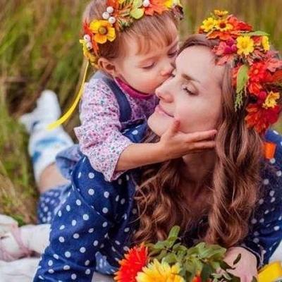 Порошенко присвоил почетное звание «Мать-героиня» 616 женщинам