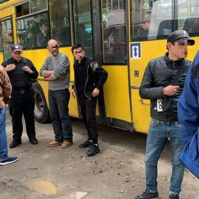 В Киеве мигрант, у которого подозревают туберкулез, торговал шаурмой