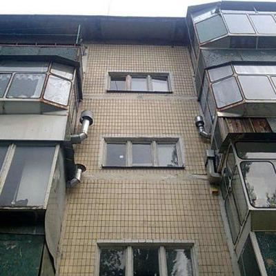 На Киевщине погиб мужчина, который пытался через балкон попасть в свою квартиру