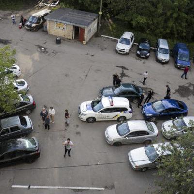 В столице  школьник выпал с 16-го этажа