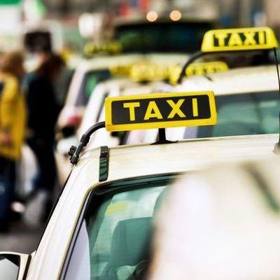 В Германии родители забыли младенца в такси по пути из роддома