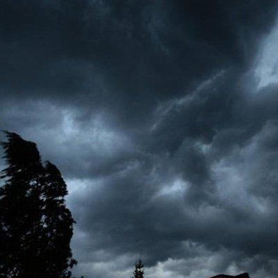 В первый день лета погода ухудшится: обещают шквалы и град