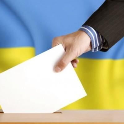 Партия Рабиновича-Медведчука удерживает лидерские позиции в парламентских рейтингах, – опрос