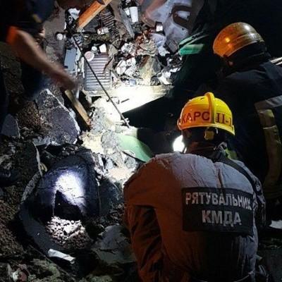 Спасатели завершили разбор завалов после взрыва в центре Киева: появились новые подробности