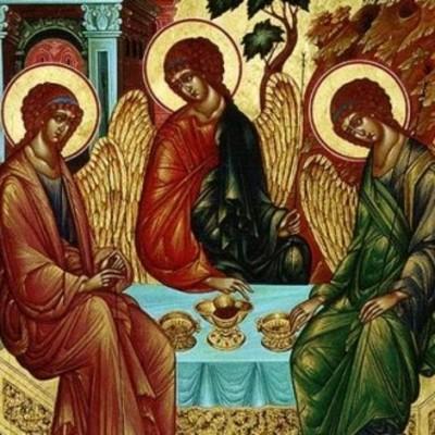 Православные христиане сегодня отмечают День святой Троицы
