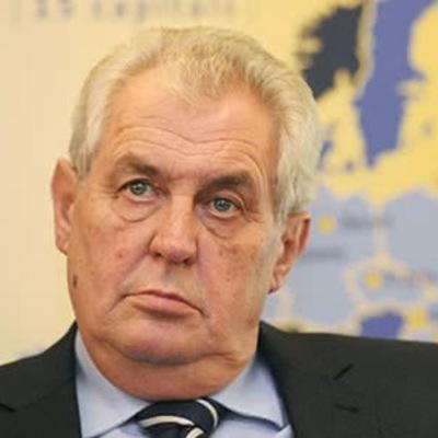 Президент Чехии призвал Украину смириться с потерей Крыма