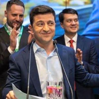 «Слуга народа» представила своих кандидатов в Киеве: полный список от партии Зеленского