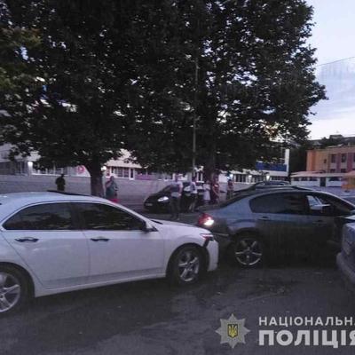 На Одесчине пьяный киевлянин протаранил на своем авто пять машин