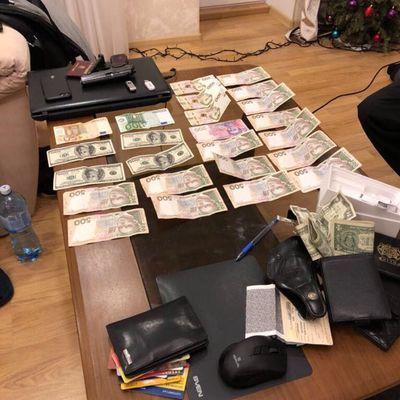 В Киеве будут судить полицейских, которые прикрывали воров на Киевском железнодорожном вокзале