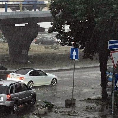 На Киев обрушился ураган (видео)
