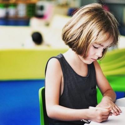Психолог посоветовала родителям, как говорить с детьми о возможных нападениях