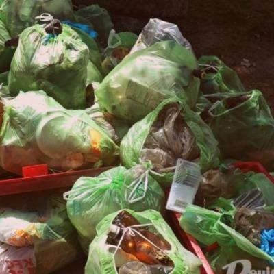 """В """"День без полиэтилена"""" киевляне достали из Днепра 2 тонны мусора"""