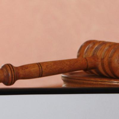 В суд направили обвинительный акт в отношении адвоката, завладевшего имуществом почти на 10 млн грн