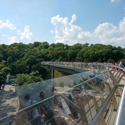 В Киеве новый мост между Крещатым парком и Владимирской горкой находится на ремонте