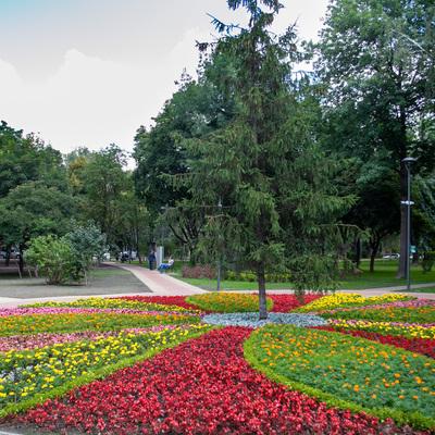 На Нивках открылся обновленный парк «Радуга» (фото)