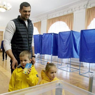 Сегодня украинцы выбирают новую Верховную Раду