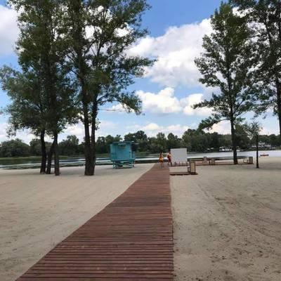 В Голосеевском районе открыли обновленный пляж
