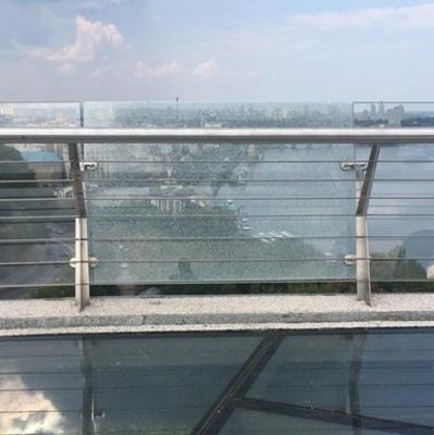 За два дня: в КГГА пообещали быстро заменить стекла на