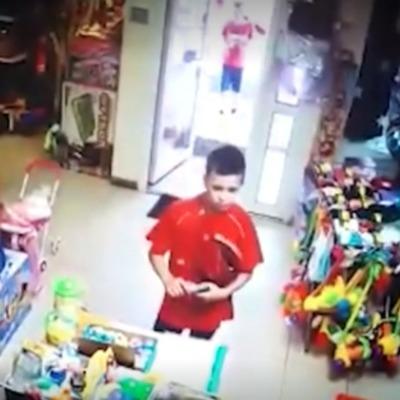 В России дети 8 и 12 лет с игрушечным пистолетом пытались ограбить магазин