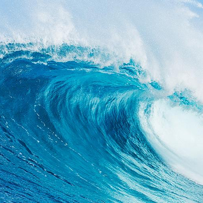 Огромная искусственная волна травмировала туристов в аквапарке