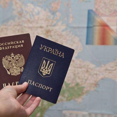 Идентифицированы 13 тыс. украинцев, получивших паспорта РФ, некоторые допрошены, - Матиос