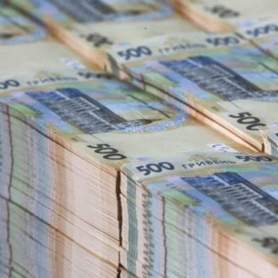 Кому в Киеве платят больше всех