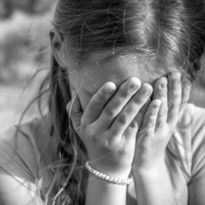 Отчим насиловал свою 12-летнюю падчерицу