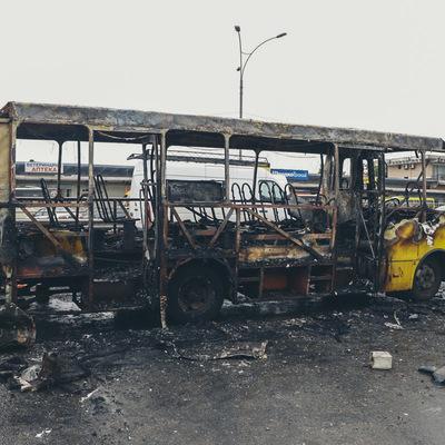 В Киеве взорвалась и загорелась маршрутка
