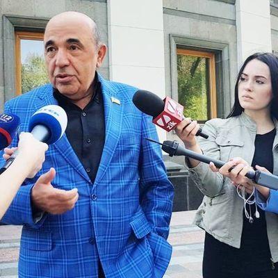 Рабинович: Новая власть превратилась в последователей Порошенко и пошла по его пути