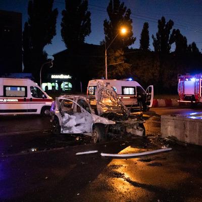 На проспекте Победы в ДТП погибла девушка-водитель, ее пассажиры - ранены
