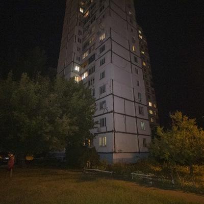 В Киеве женщина с собакой выпрыгнула с седьмого этажа