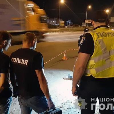 В Киеве парень с перерезанным горлом останавливал машины и просил о помощи